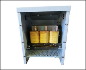 DELTA-WYE TRANSFORMER, 7.5 KVA, PRIMARY 220 VAC, SECONDARY 400 VAC, P/N 18424N1